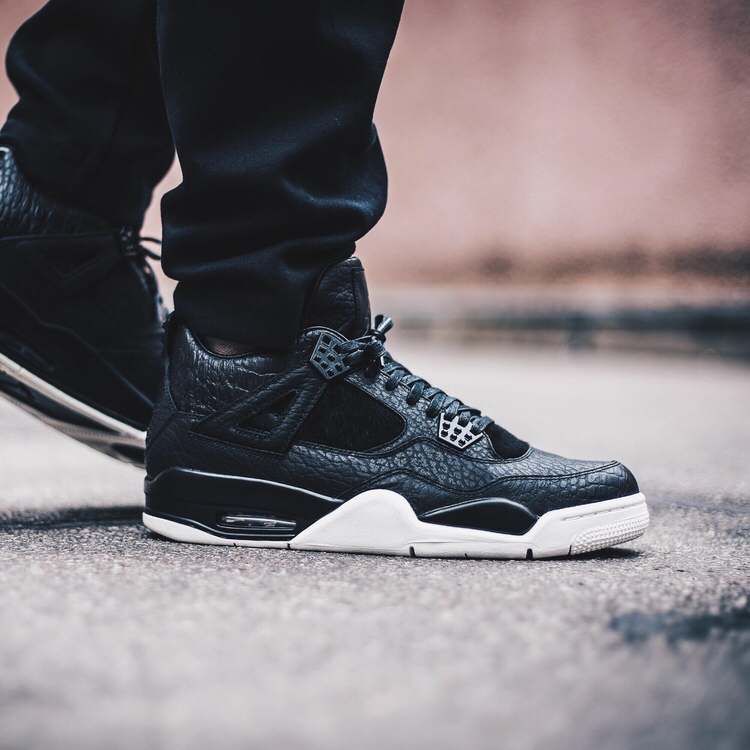 Air Jordan 4 Pinnacle - Black