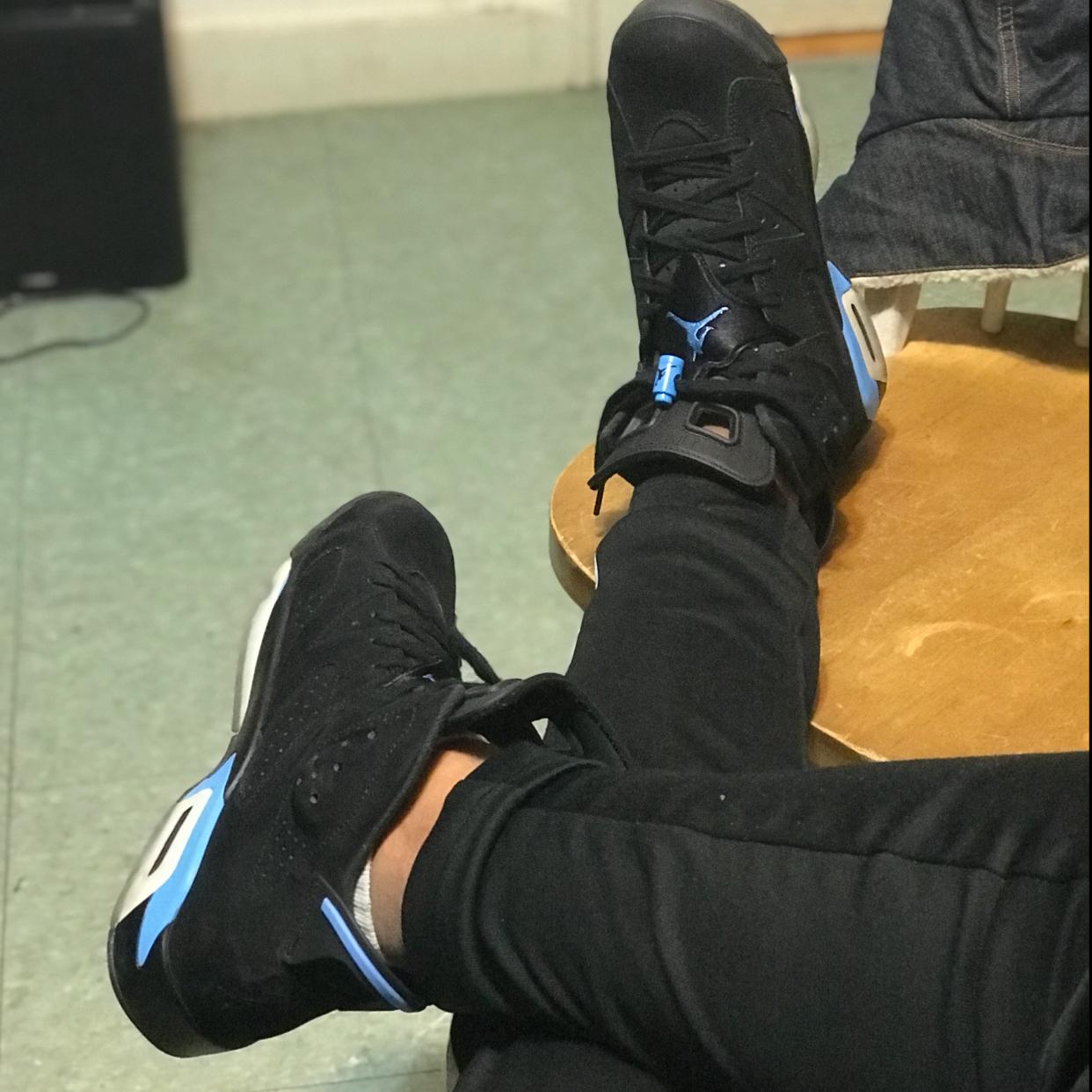 Air Jordan 6 UNC