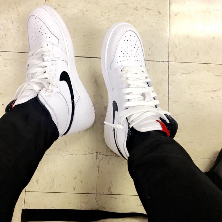 Air Jordan 1 Retro High OG Premium Essentials - White