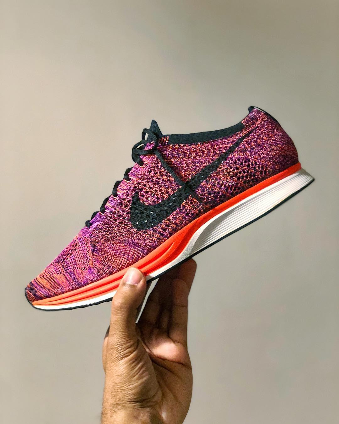 Nike Flyknit Racer - Acai Berry