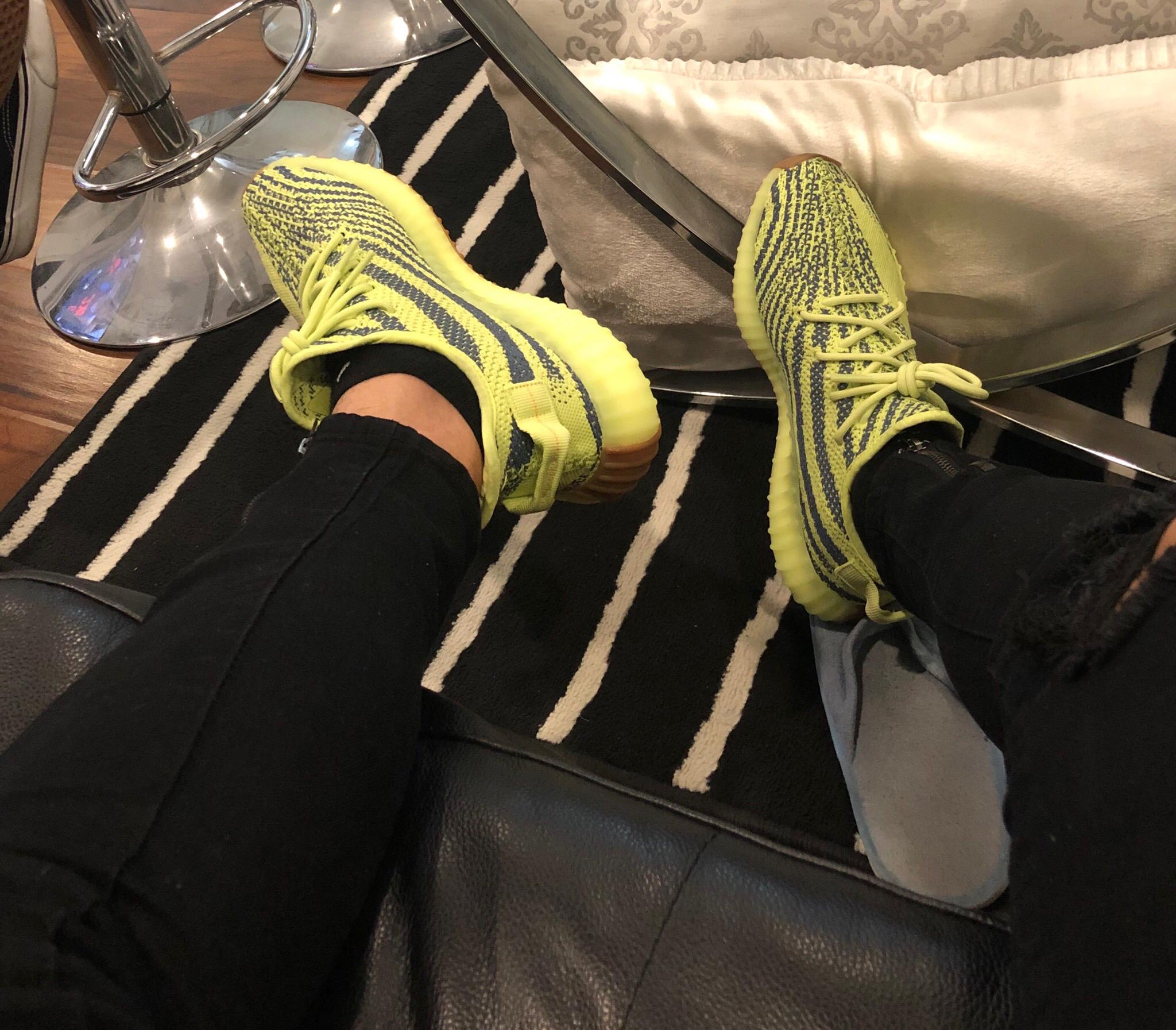 adidas Yeezy Boost 350 V2 Semi Frozen Yellow