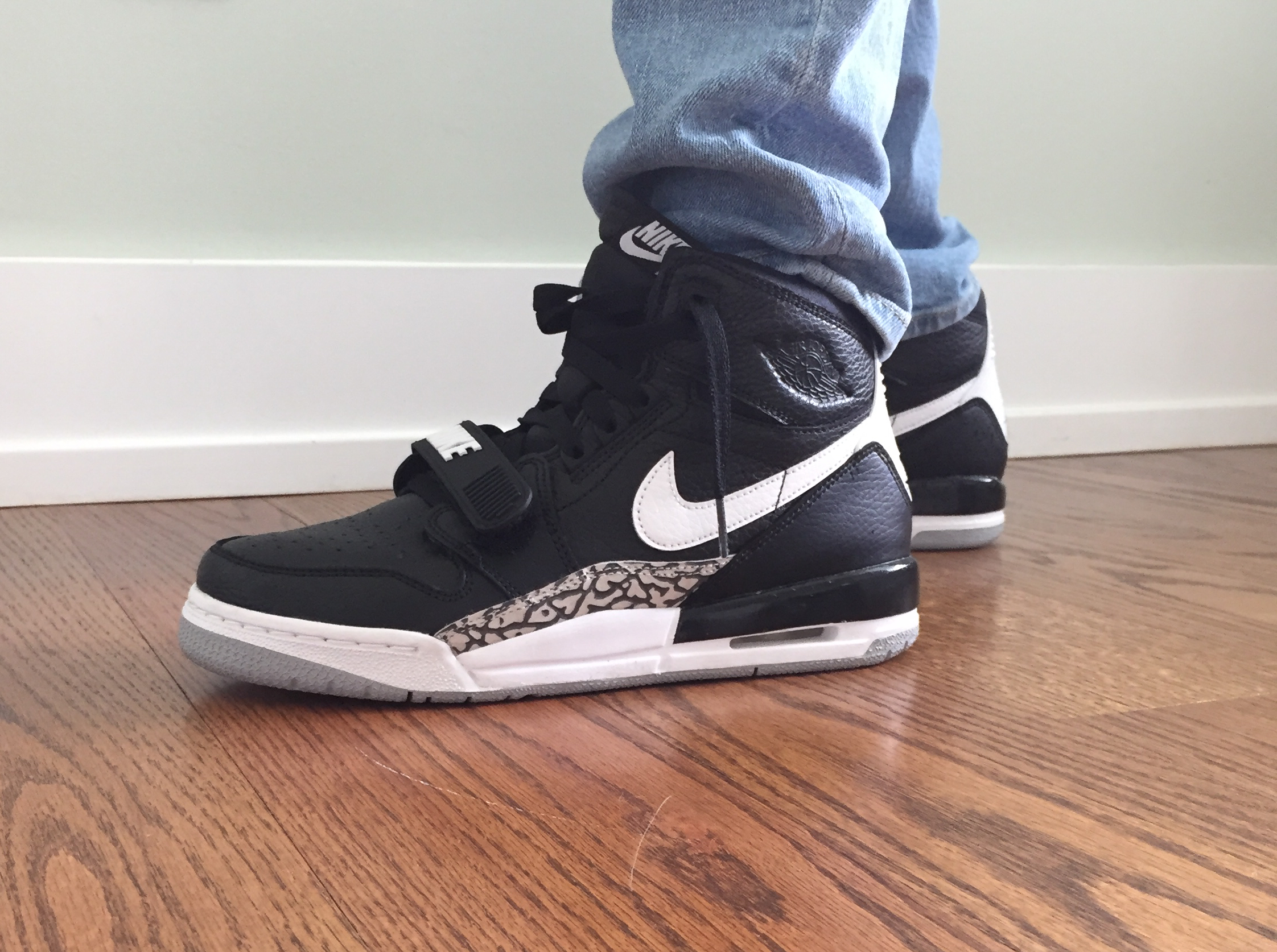 Jordan Legacy 312 Black White