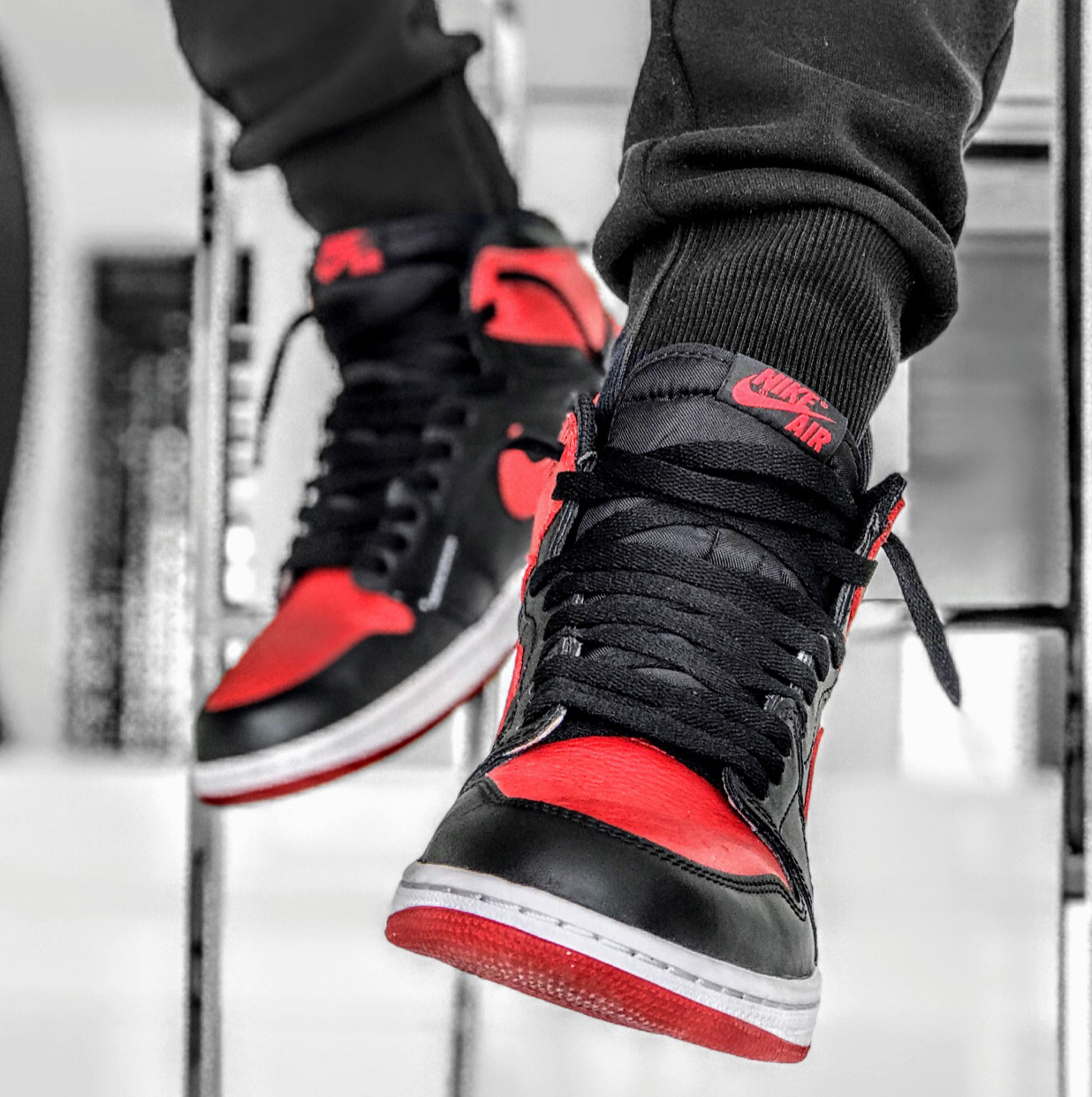 Air Jordan 1 Retro High OG Bred (2016)