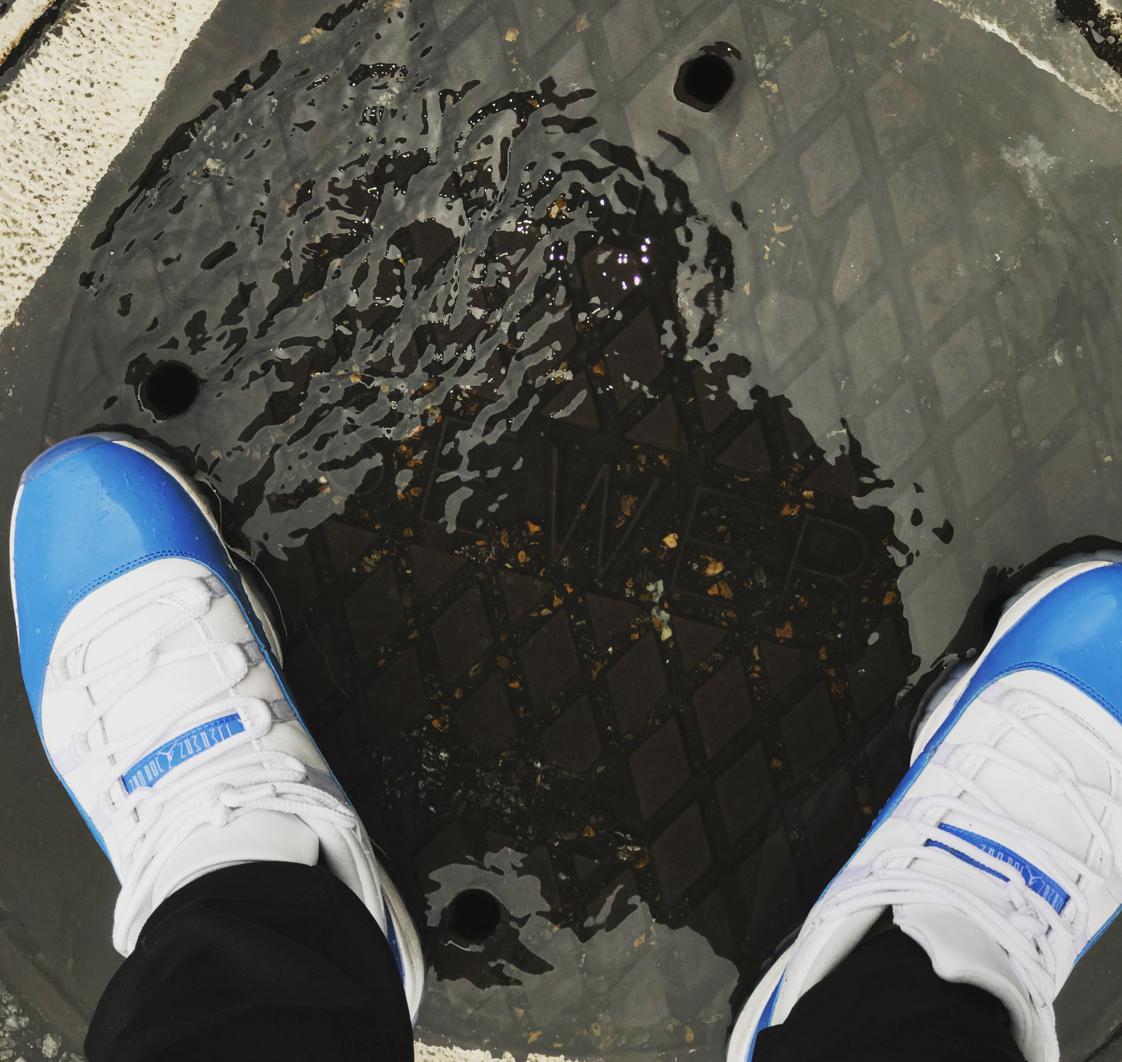 Air Jordan 11 Low Columbia